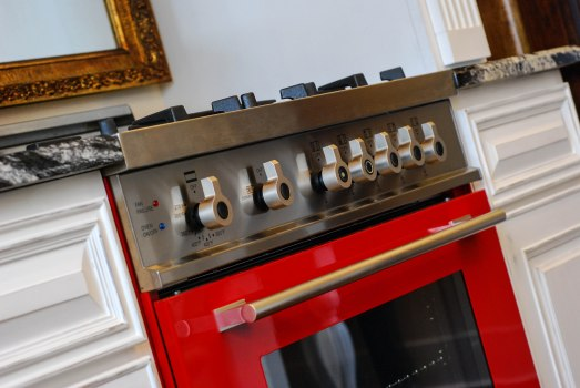 L's red stove
