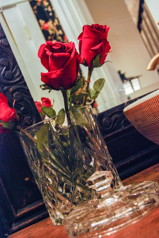 L's rose on d/s vanity